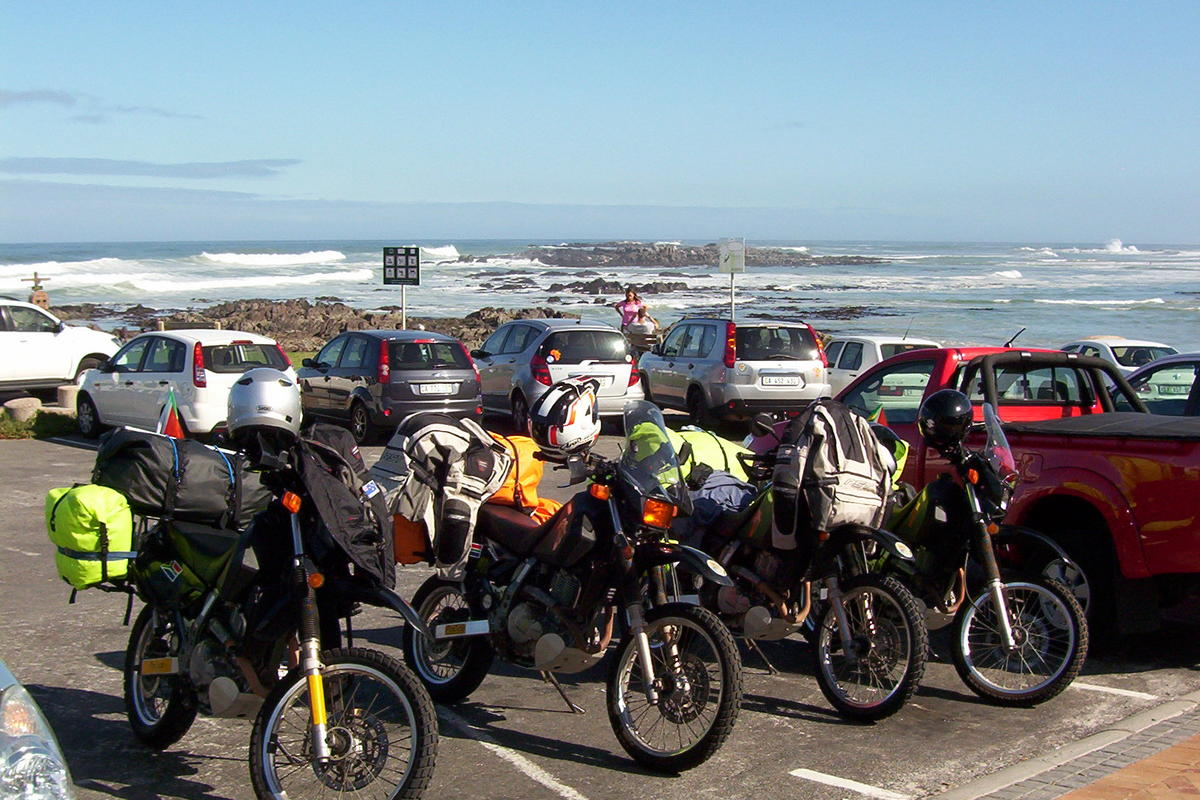 Blaauwberg beachfront, packed up and ready to roll...