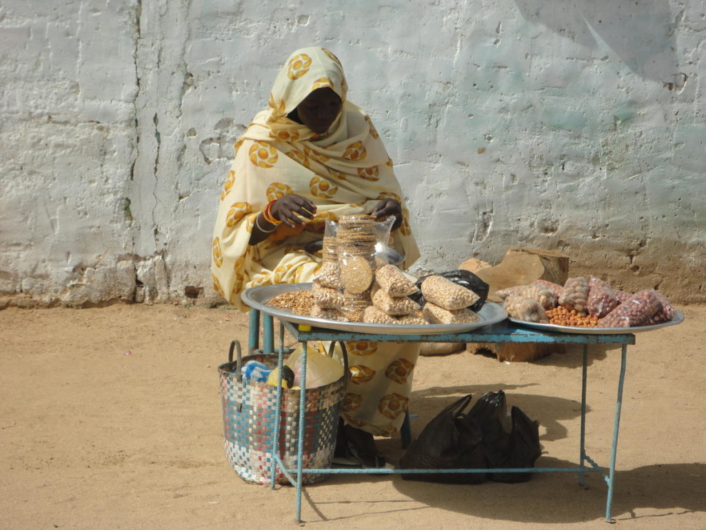 Sudanese woman in the 45 degree heat